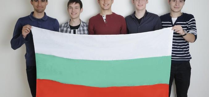 Български ученици на състезанието за наука и инженерство Intel ISEF