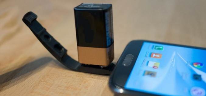 Заредете телефона си с 9 волтова батерия (видео)