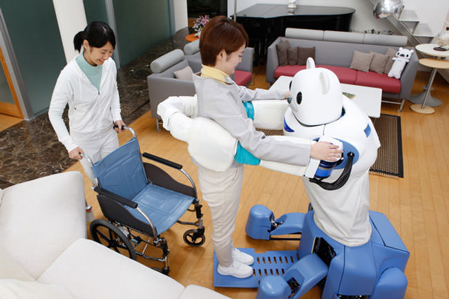 Japan-has-created-a-robot-bear-that'll-help-nurses-take-care-of-their-patients4