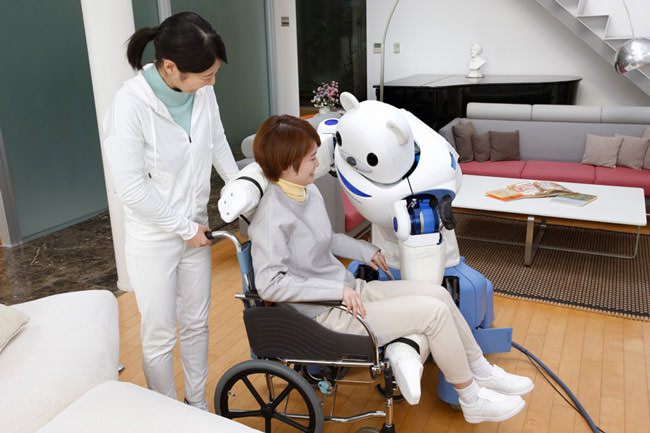 Japan-has-created-a-robot-bear-that'll-help-nurses-take-care-of-their-patients6