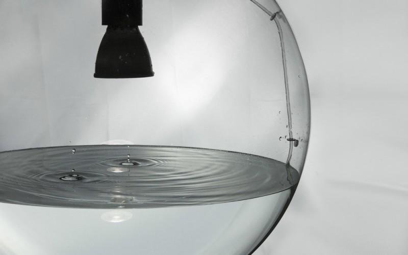 """Хипнотизиращи пулсации от """"дъждовна лампа"""""""