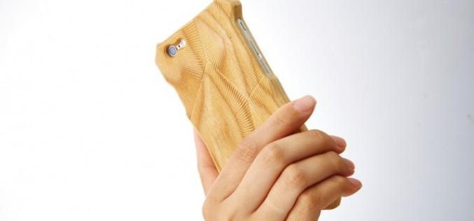 Гравирано дървено калъфче за iPhone