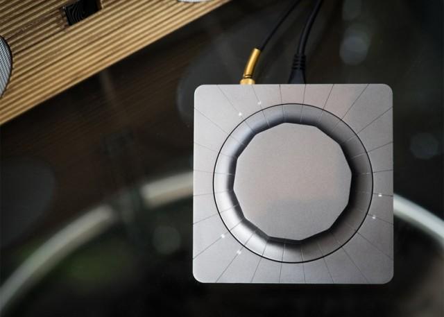 speakers-13b-640x457
