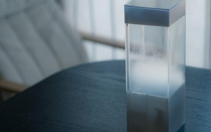 Свързана с Интернет кутия симулира времето в домашни условия