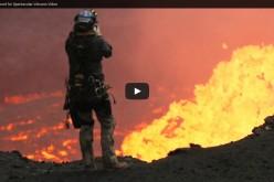 Дрон заснема уникални близки кадри от кратера на вулкан във Вануату