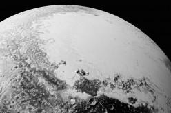 """Нови снимки на Плутон показват повърхност """"по-сложна от всичко, което сме виждали"""" в Слънчевата система"""