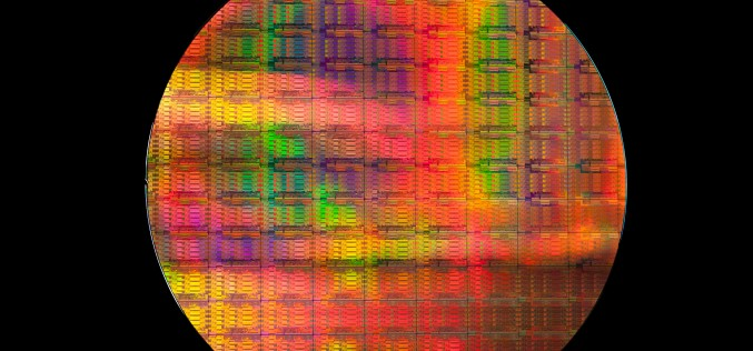 Сървърните процесори – най-новото от Интел и докъде е конкуренцията в лицето на ARM