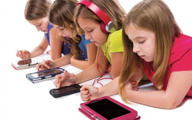 Учените са установили, че електронните устройства пречат на образуването на здрави мускули и кости при децата
