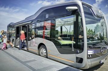 Мерседес показа безпилотен автобус на бъдещето