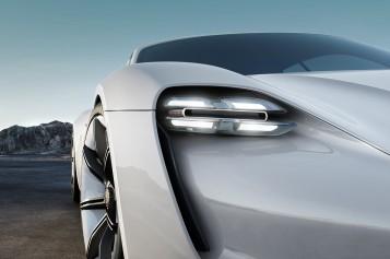 Нови електромобил на Порше ще конкурира успешно Тесла