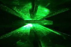 Диамантено менгеме превръща водорода в метал след 80-годишни опити