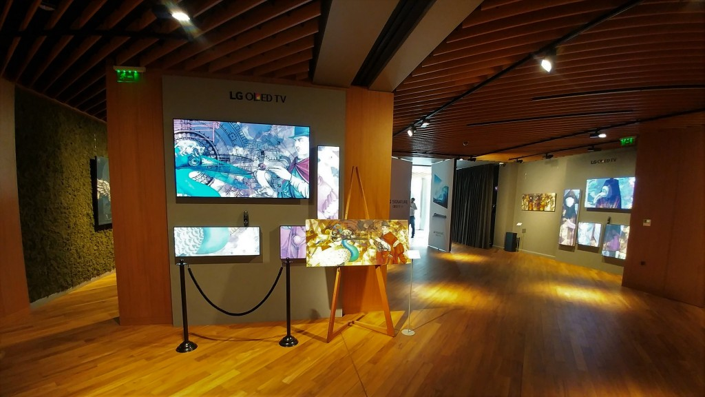 LG_OLED_Yassen Panov_Exhibition_E7 and B7