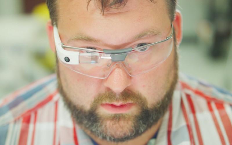 Очилата Google Glass се завръщат, но с нов фокус