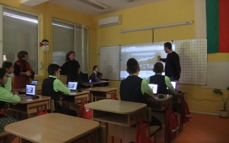 Екипът на Daskal.eu проведе открит урок по образователни иновации в българско училище