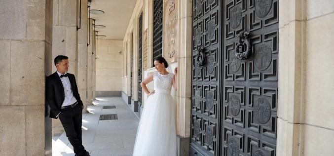 Екстремните снимки, дроновете и нетрадиционните локации променят сватбената фотография