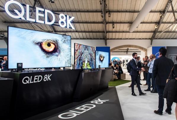 Samsung представи пълната си гама QLED телевизори за 2019 на европейския форум в Португалия