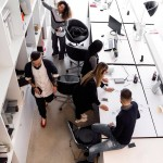02-office-team-working-together_917993845296037