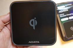 Ревю на безжичния пад за зареждане Adata CW0100