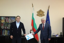 Теленор и PPF Group даряват професионални маски на стойност близо 500 000 лв. за българските болници