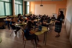 Български ученици учат пилотно математика на пандемиите, 3D ремонти и орбитална симулация